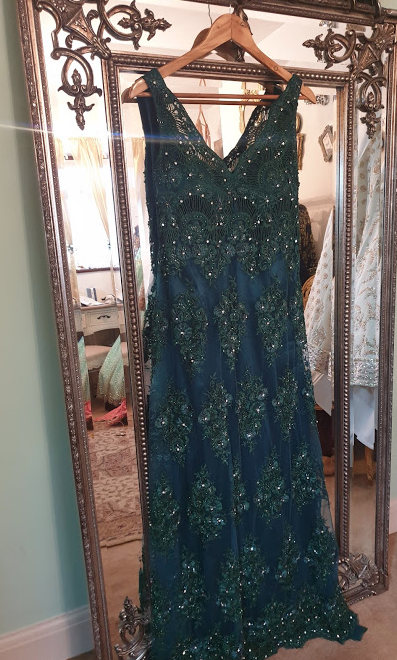 000-15 Emerald Thread and Sparkle Gown